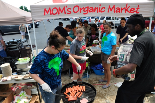 E-Cycle 2013 - Rockville, Maryland - MOM's Organic Market